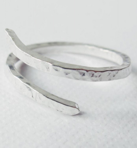 "Wild Fawn ""Adjustable Hammered Ring"" - silver"