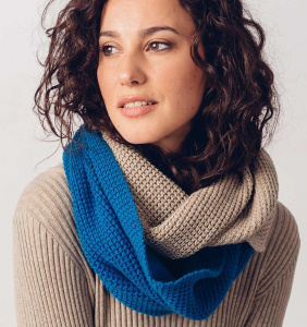 "Scarf ""Seva"" - electric blue"