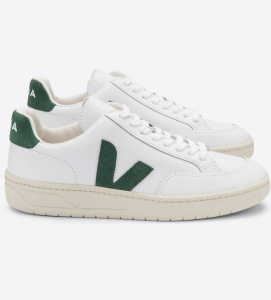"Veja ""V-12 Leather"" - extra white cyprus"